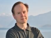 """Erich Wimmer (Foto: © Judith Wimmer) liest am 24.5. aus seinem Roman """"Kuttenlos – Erfahrungen aus der Linzer Domeremitage"""", erschienen in der Edition Geschichte der Heimat."""